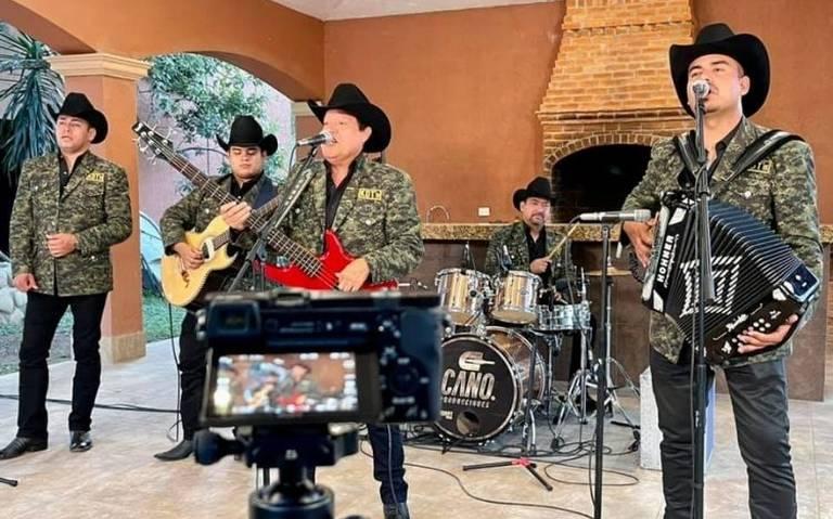Cadetes de Linares sufren aparatoso accidente tras presentación en Guanajuato