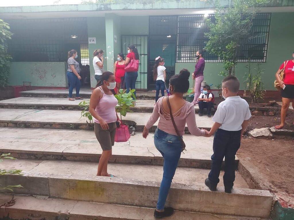 Gradual retorno a clases en escuelas de Atoyac, Tecpan y San Jerónimo