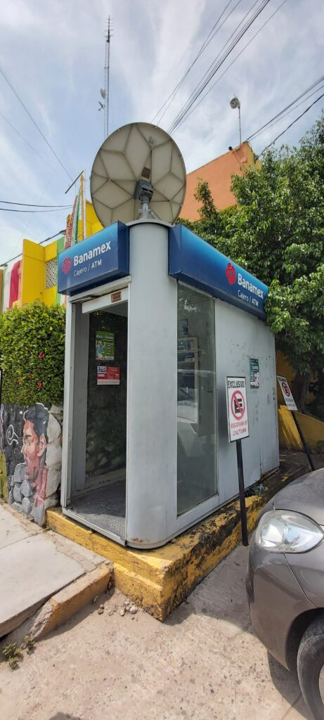 Averiado, cajero automático en Tecpan, señalan